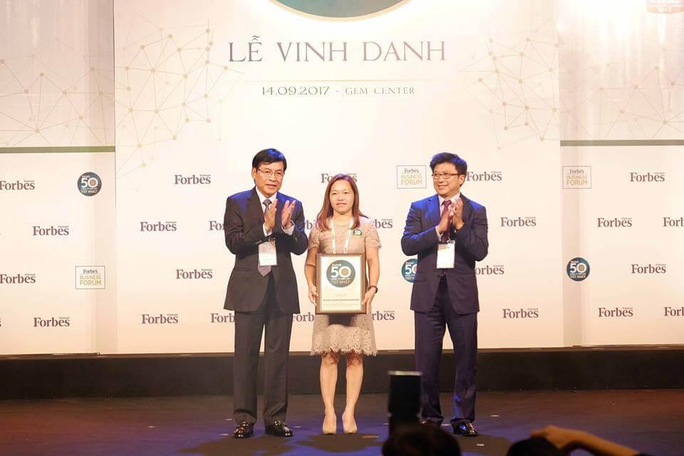 Khang dien tiep tuc lot Top 50 Nam 2017